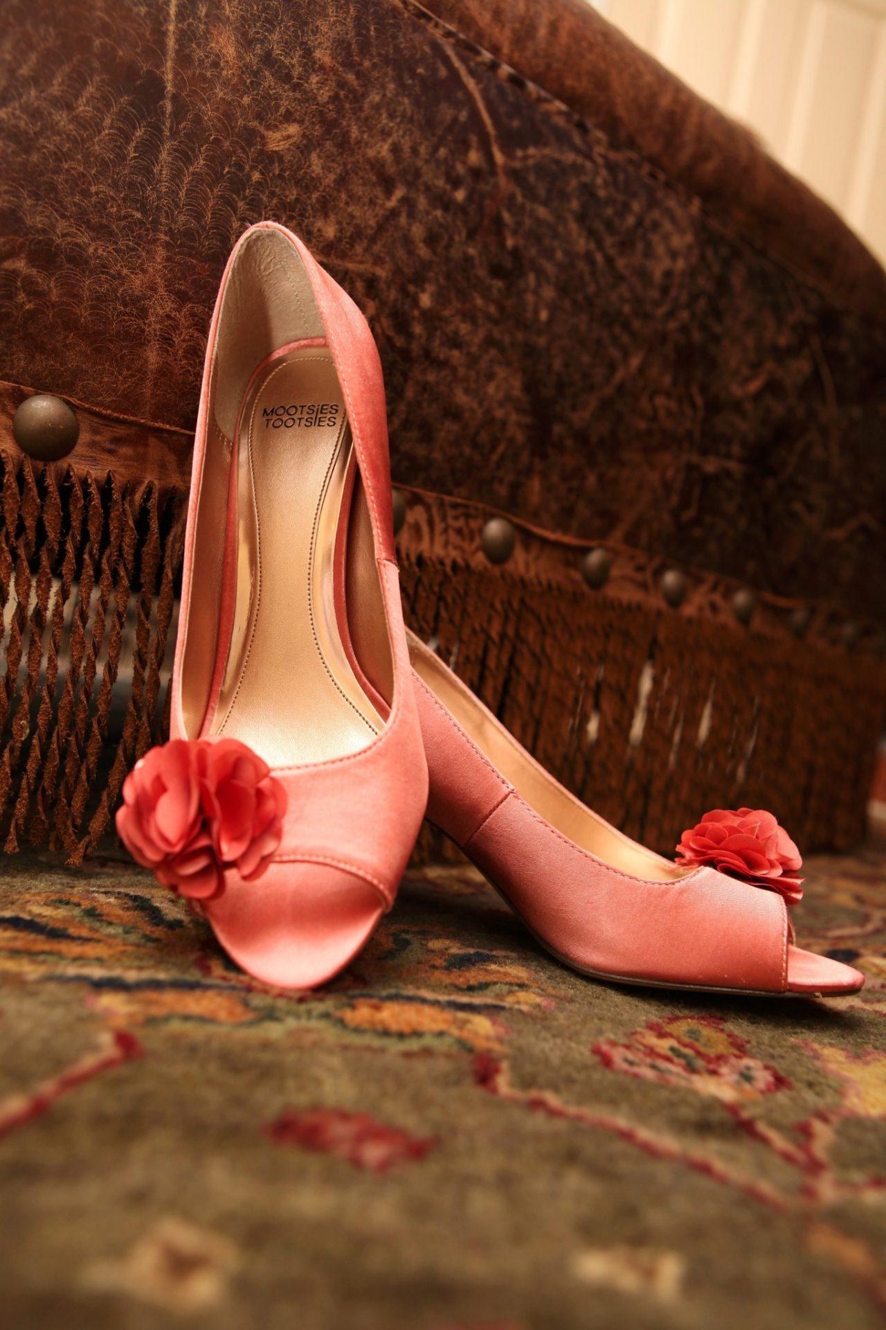 Reception brides pink shoes