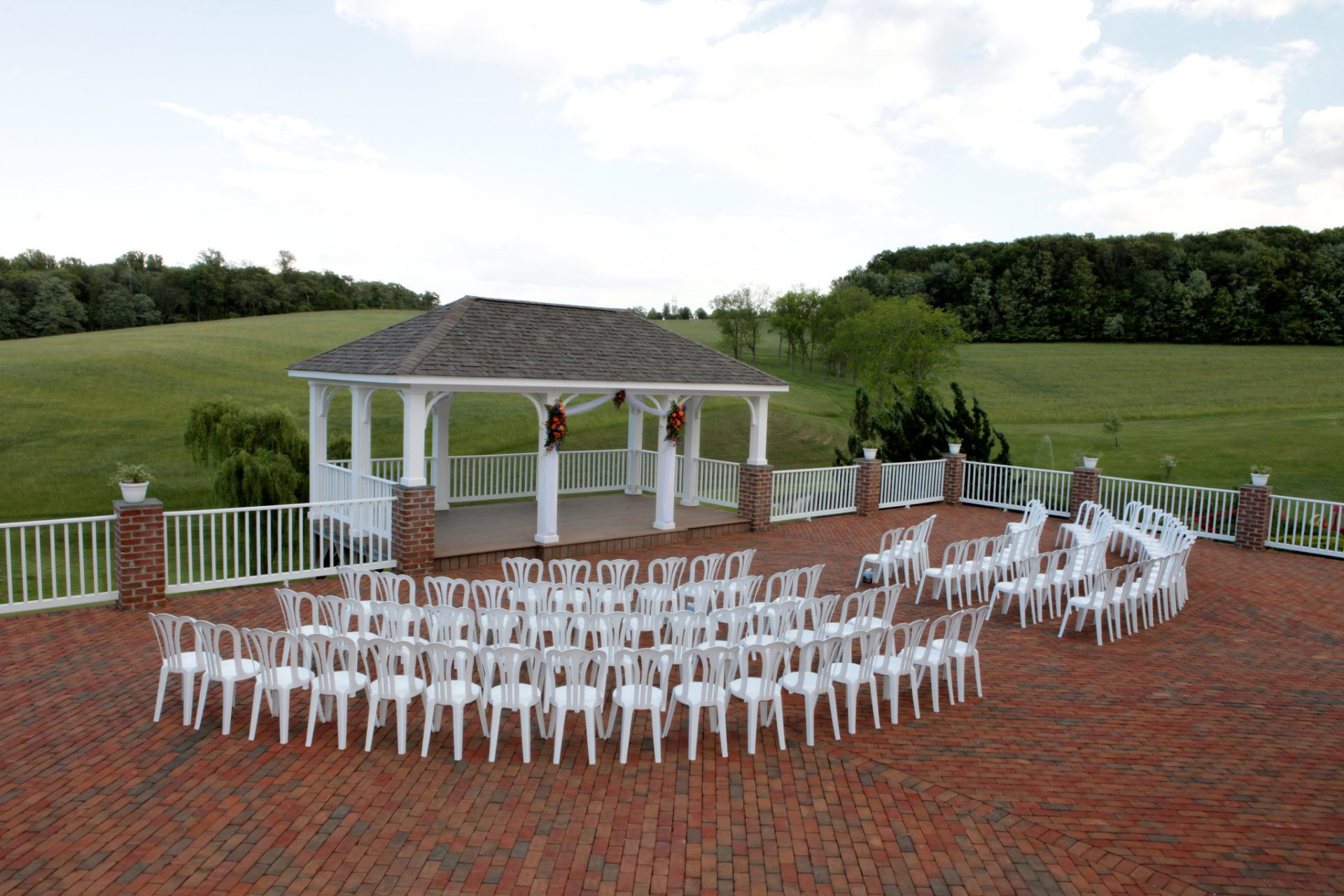 Outdoor wedding ceremony at Morningside Inn is completely private with zero road noise.