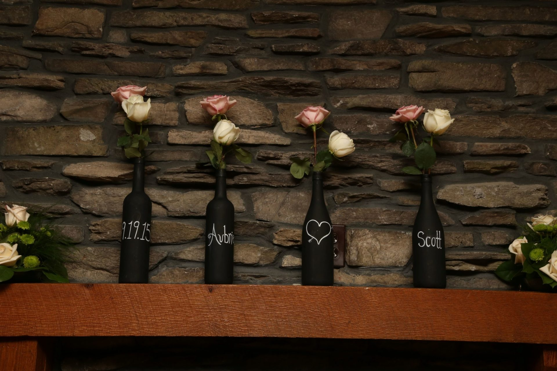 Wine bottles used to decorate for wedding