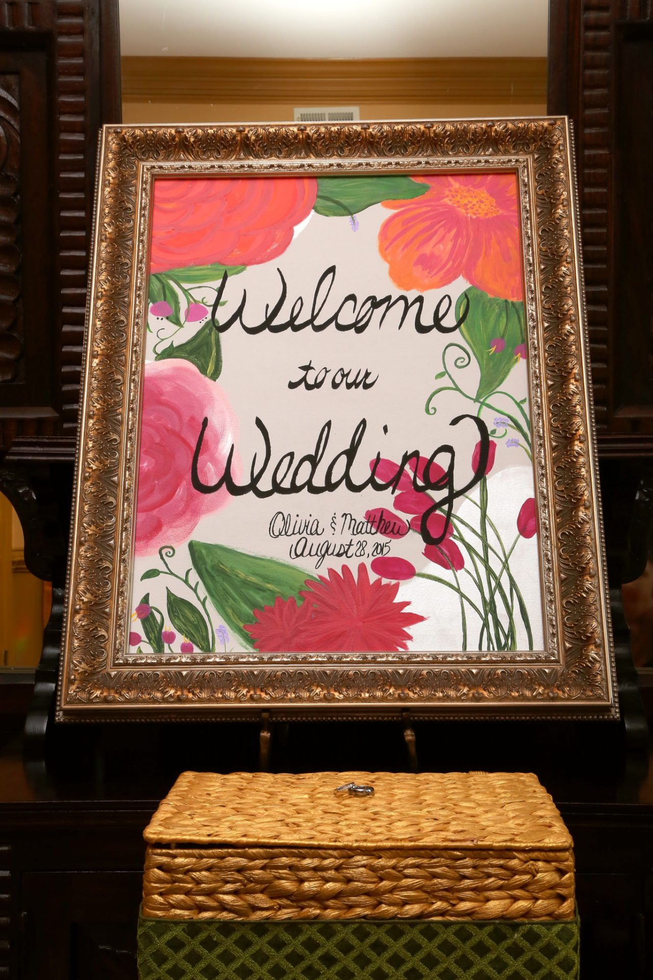 Welcome sign and gift card box