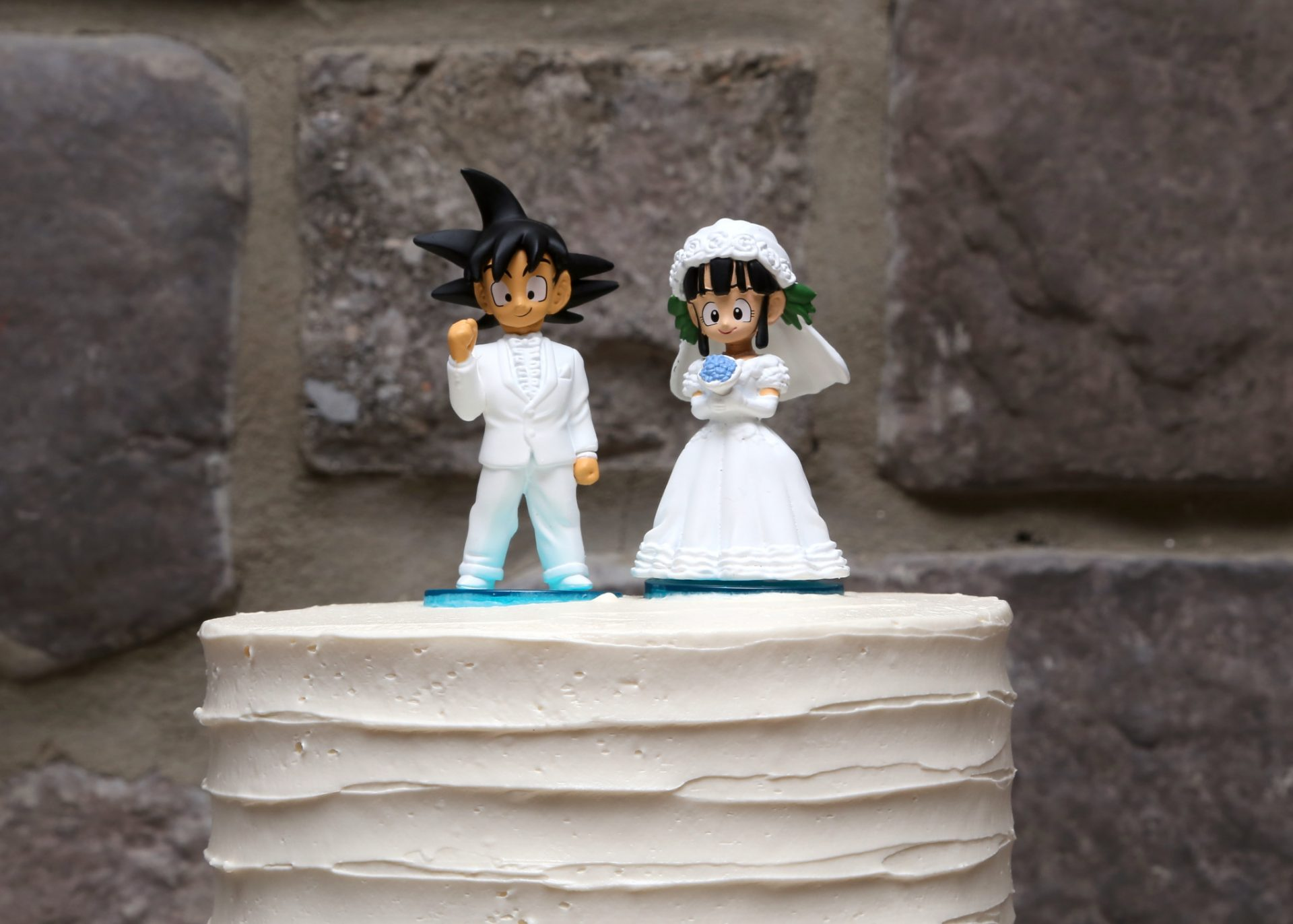 wedding cake toppers sparklers matt amp s summer wedding in maryland with fireworks 26597