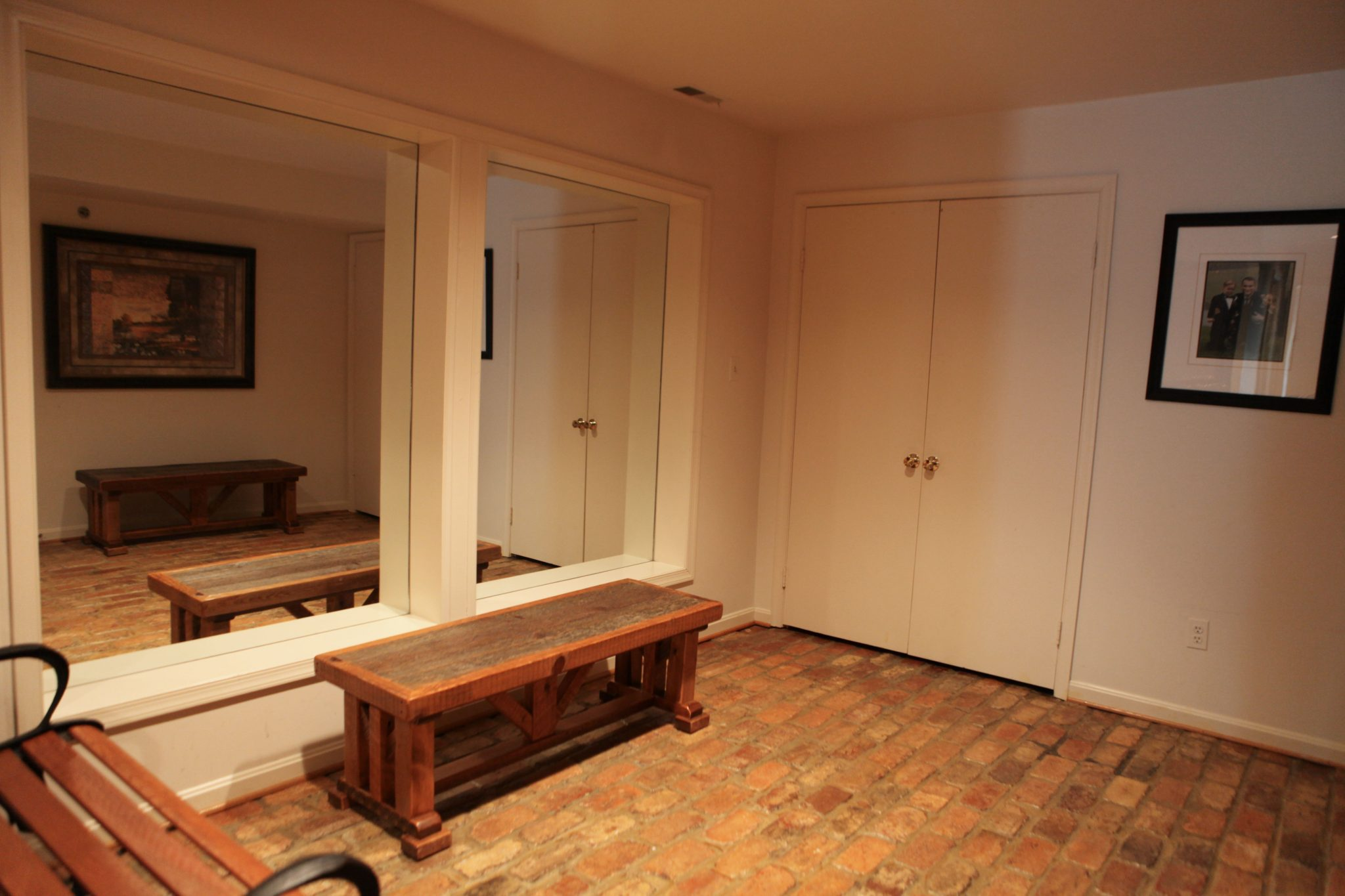 Groom's room at Morningside Inn wedding venue in Frederick Maryland