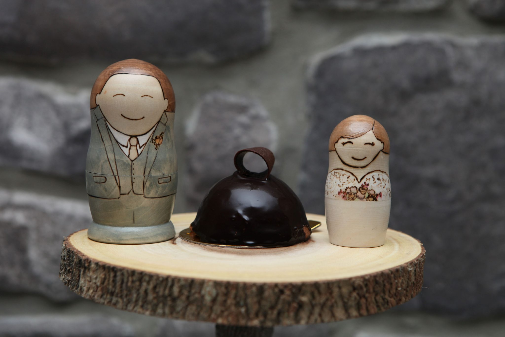Rustic wedding cake idea